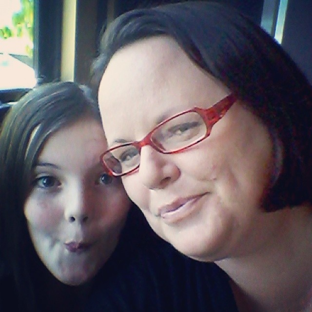 Try to take a nice picture with a tween, this us what you get #DineInOrderAhead #ad #PMedia @bjsrestaurants