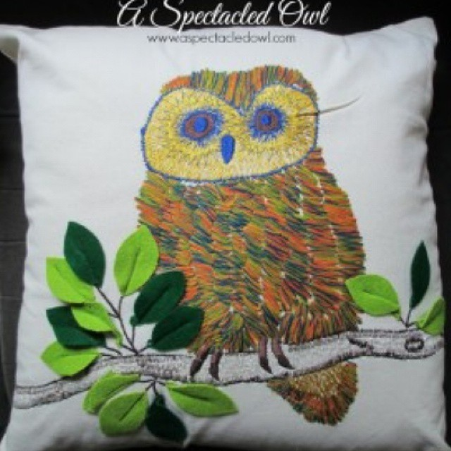 Isn't this #owl pillow from @loloirugs awesome? I'm giving 2 of these away (plus a beautiful coordinating pillow) on my blog (2 winners, 2 pillows each). Link is in profile, all #giveaways are listed in my right sidebar #ad