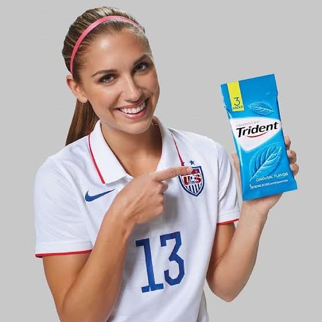 Trident has teamed up with Smiles Across America to help millions of underserved kids have a healthy smile. Next week, Trident will donate for every pack of gum purchased, up to $200k! Link is in profile for more info, plus I'm giving away a signed ball from Olympic gold medalist Alex Morgan and a selection of Trident gum #HealthySmiles #ad #giveaway